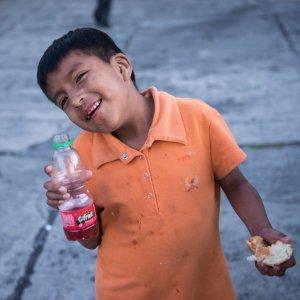 Straßenkind in Ecuador Jugend Eine Welt Hilfspaket